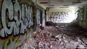 Un hôpital abandonné 11
