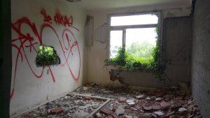 Un hôpital abandonné 10