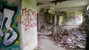 Un hôpital abandonné 7