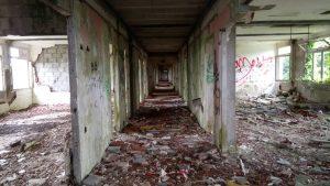 Un hôpital abandonné 5