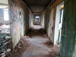 Un hôpital abandonné 4