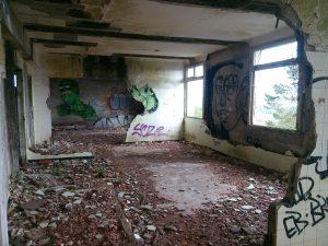 Un hôpital abandonné 3