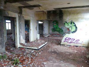 Un hôpital abandonné 2